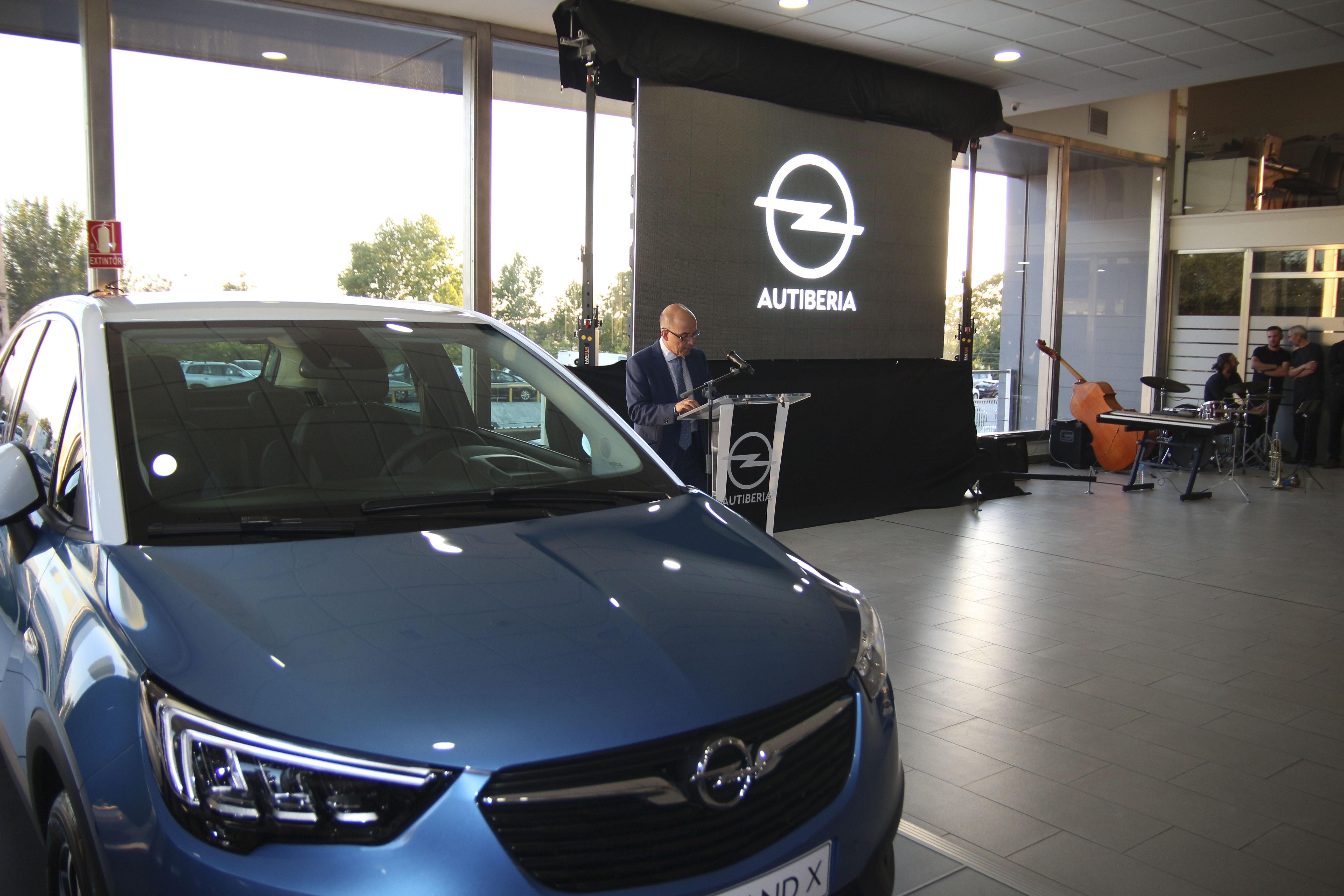 Autiberia presenta el nuevo Opel Crossland X