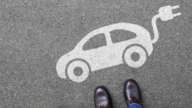 La transición hacia un parque automovilístico mayoritariamente eléctrico podría durar más de 40 años